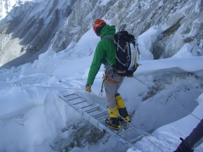 MartinCrossingLadders_Mt Everest